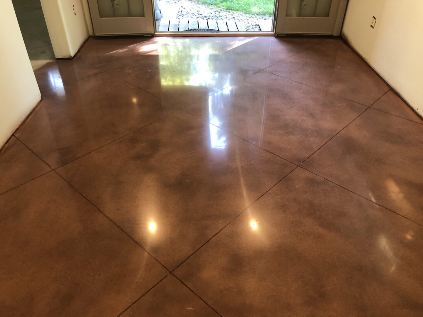1,500 GRIT POLISHED CONCRETE